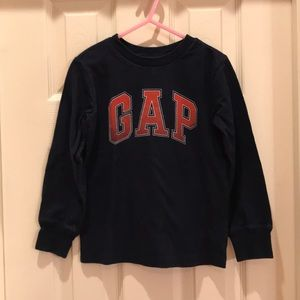 Gap Kids XS 4-5 boys Navy blue logo shirt